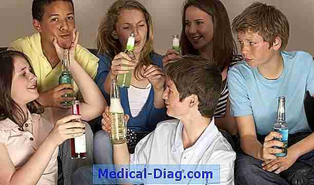 Teen smoking and drinking drops, la consommation de cannabis augmente, etats-unis